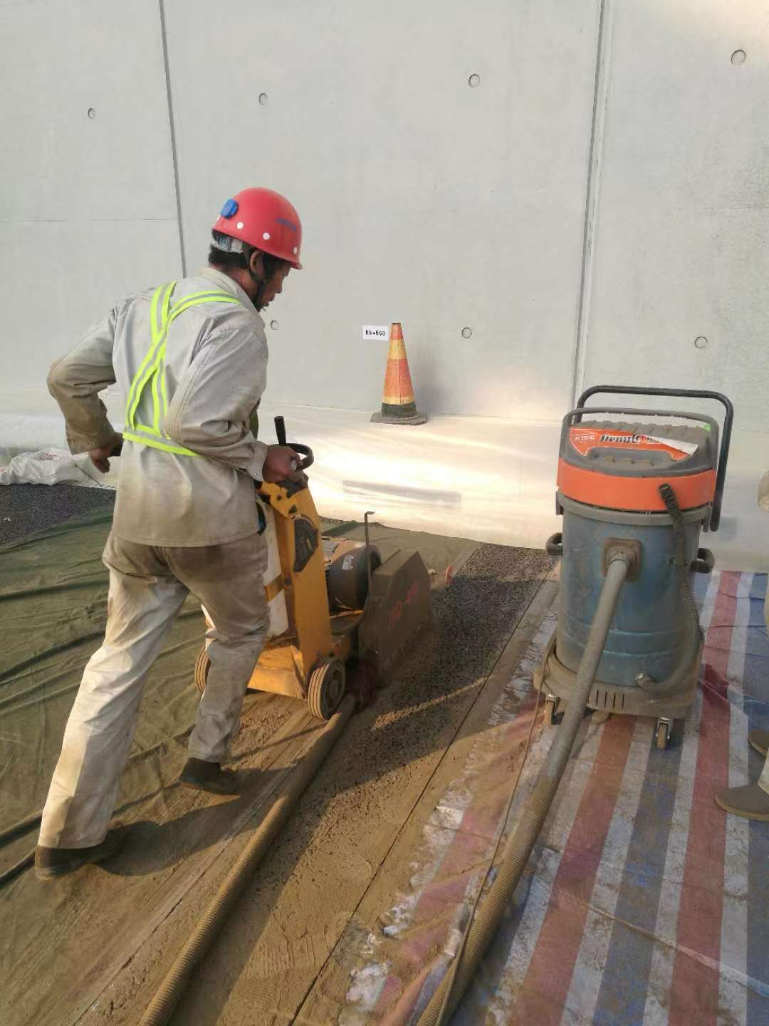 Controlling Dust When Cutting Concrete to Keep Health